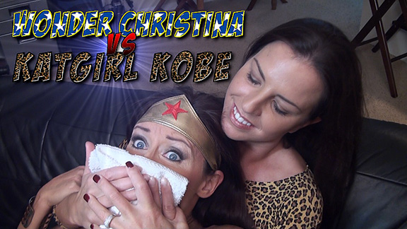 Wonder Christina vs. KatGirl Kobe!